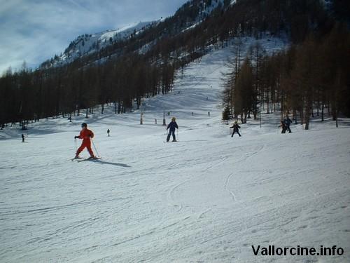 Skieurs à la poya
